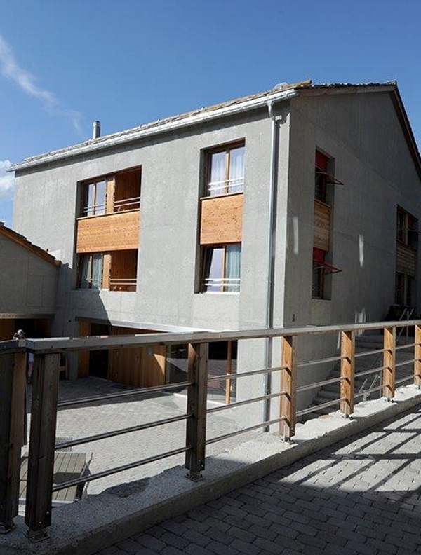 Zugang zu Alters- und Pflegewohnungen dank Treppenlift