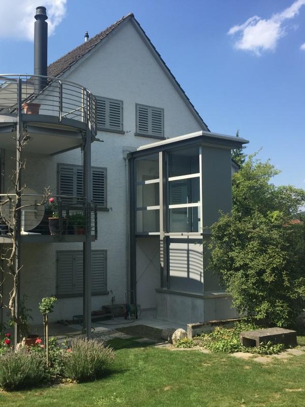 Senkrechtlift integriert in Zweifamilienhaus