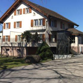Zugang mit Lift Kirchgemeinde Risch